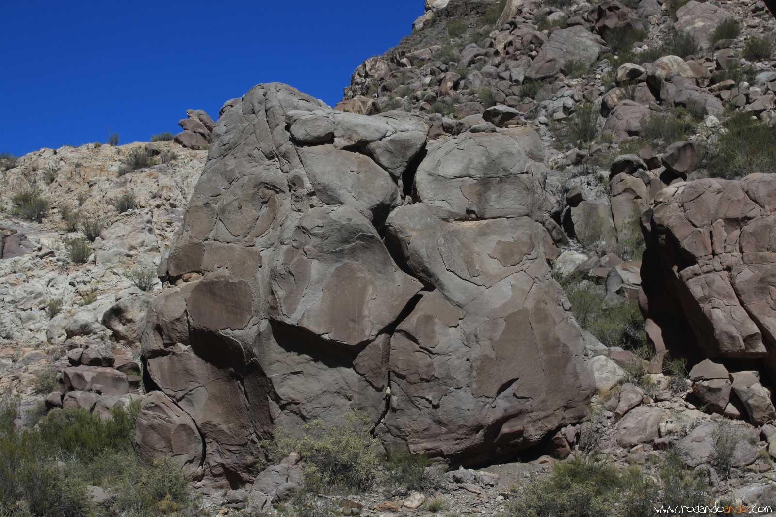 Muchas rocas que parece que se te carn en cualquier momento